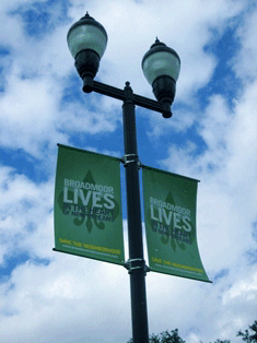 Installation in New Orleans Broadmoor boulevard banners