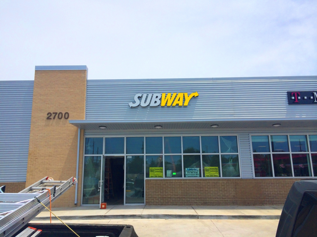 Install channel letter sign New Orleans for Subway franchise