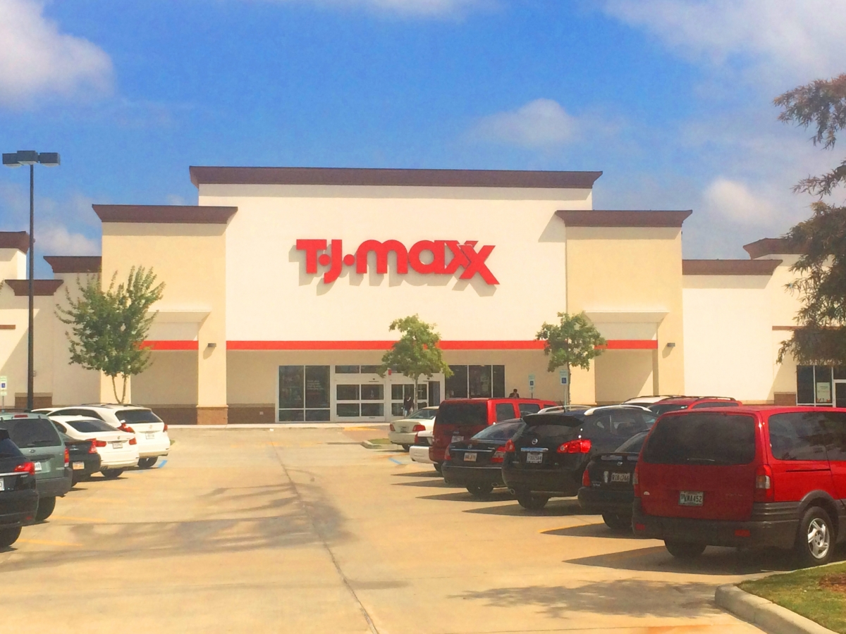 Installed oversize channel letters in Algiers for TJ Maxx