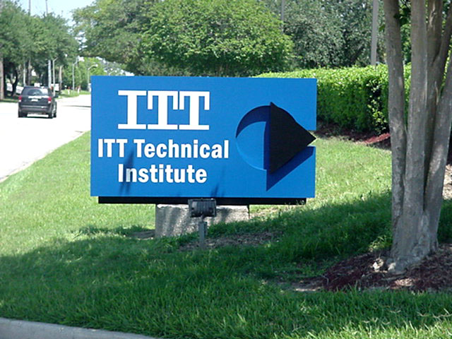 Monument signs St. Rose installed for ITT Technical College