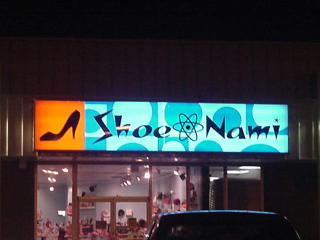 Signs installed in Metairie Louisiana for Shoe Nami ladies shoe store